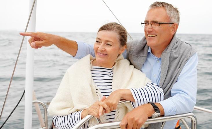זוג מפליג על ספינה
